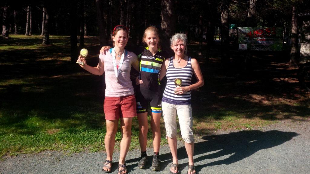 Murray, Bragdon, Mercer. Womens XCM Provincial Champions
